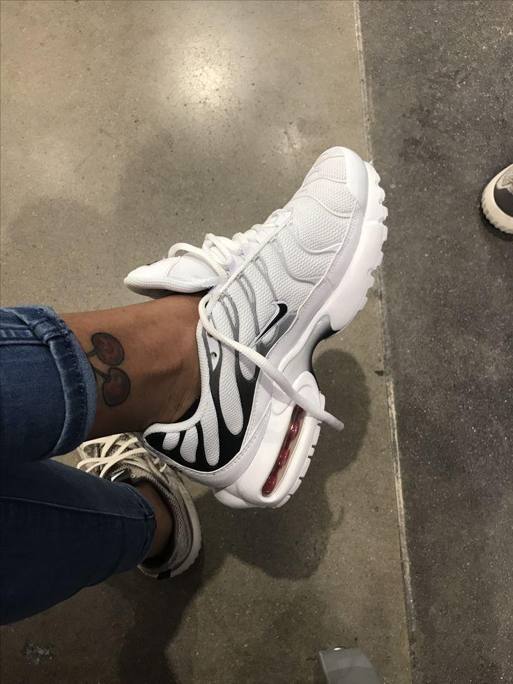 Pin by Lennaaa on S H O E S in 2019 | Nike air max tn, Shoes