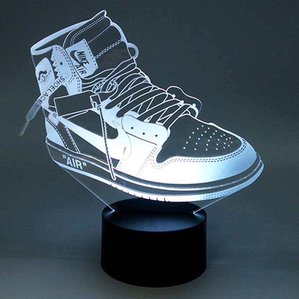 Egayez Votre Chambre Salon Ou Bureau Avec Cette Lampe Led A L Effigie De Votre Paire De Sneakers Preferee Composee D Une Veilleuse Enfant Sneakers Lampe Led
