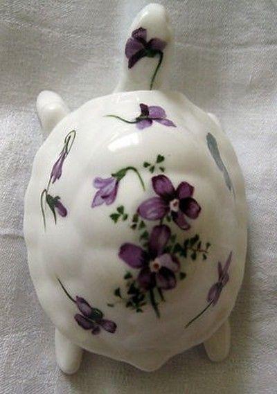 Hammersley Victorian Violet Tortoise Bone China Trinket Box (03/11/2012)