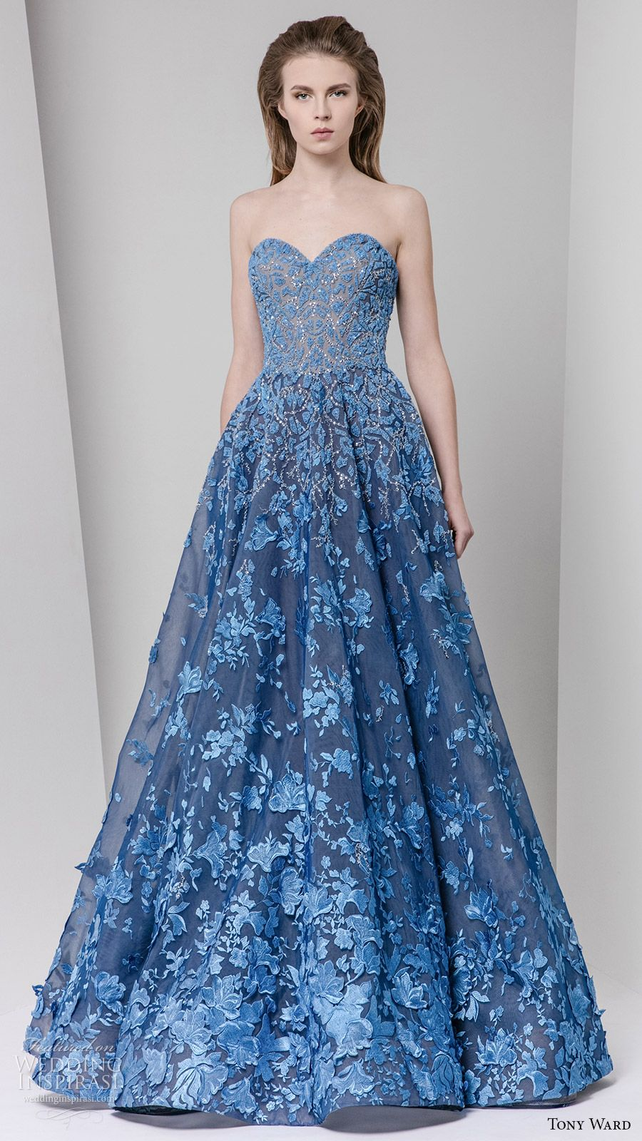 Tony Ward Fall 2016 Ready-to-Wear Dresses | Fall 2016, Gowns and Prom