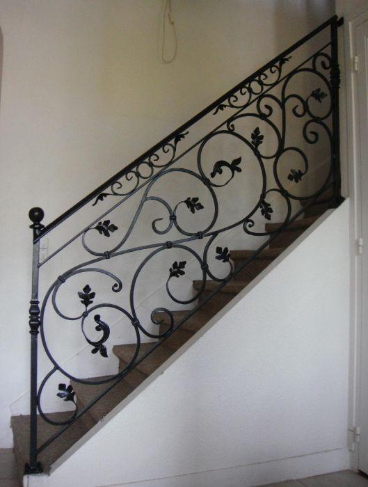 Garde corps escalier balcon en fer forg style classique le grand catalo - Garde maison pendant vacances gratuit ...