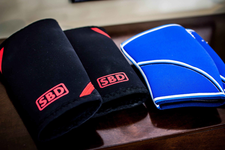 840e96086e Best Knee Sleeves: SBD vs Rehband | Mind Eye fitness Stuff