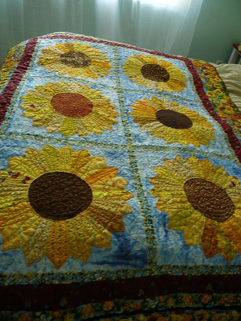 Sunflower Quilt 1 By Onetexsun Via Flickr Ahhhh Quilts