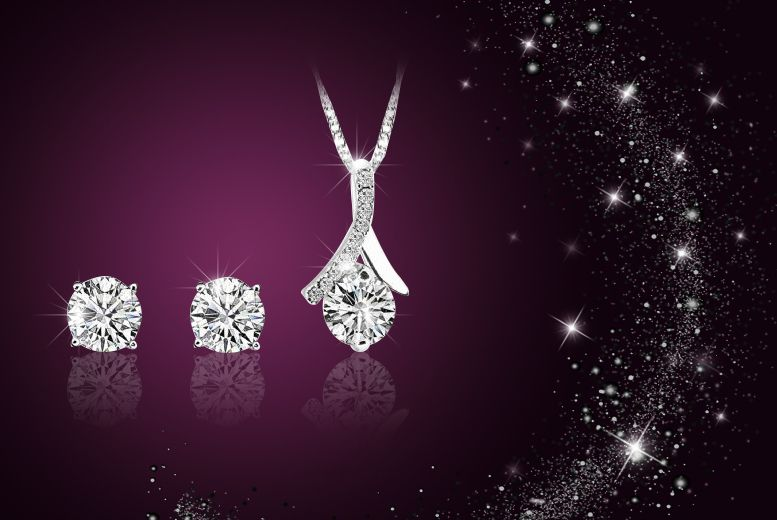 Solitaire Duo Set made with Swarovski Elements £10 instead of £99.99 (from Simply Jewellery) for a silver-plated solitaire duo set made with Swarovski Elements - save 90% - See more at: http://www.wowcher.co.uk/deals/national-deal/deal-260663-detail/10-instead-99-99-simply-jewellery-silver/deal.html#sthash.zwT1Nquv.dpuf