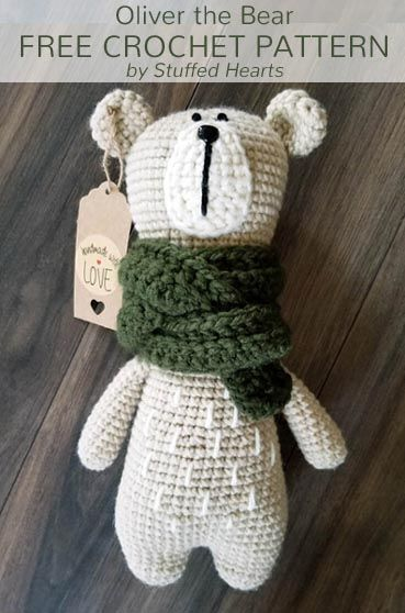 A free crochet pattern of Oliver the Bear. Do you also want to crochet Oliver the Bear? Read more about the Free Crochet Pattern Oliver the Bear.