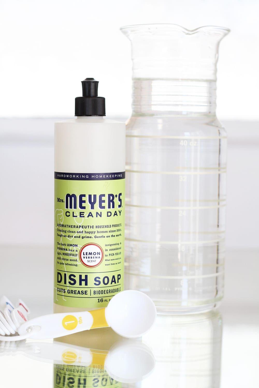 How To Clean an Old Porcelain Enamel Bathtub or Sink  Clean bathtub, Cleaning, Sink