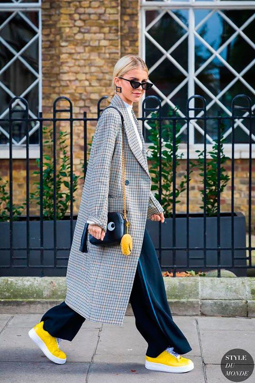 50 Looks Extremadamente Cool Con Zapatillas Deportivas | Cut & Paste – Blog de Moda #beststreetfashion #asymmetrischerschnitt
