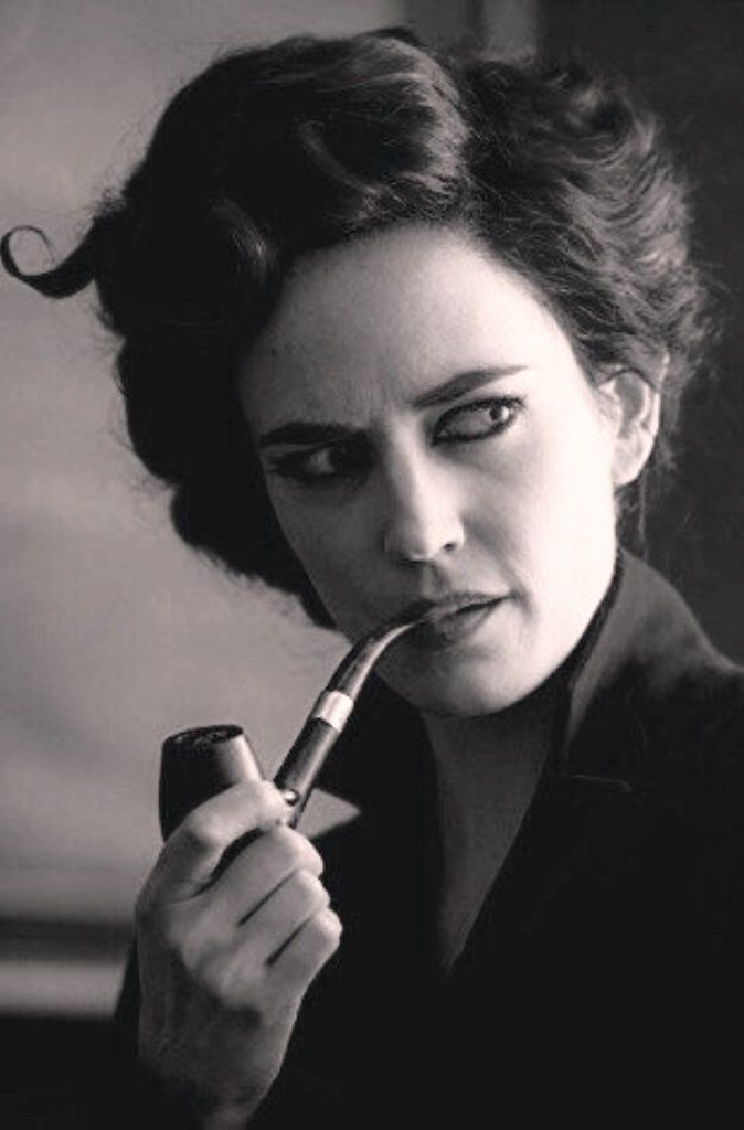 Eva Green As 39 Miss Peregrine S Home For Peculiar Children