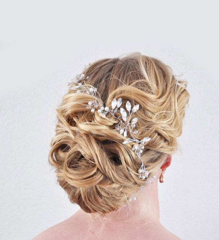 Romantic wedding bun, bridal updo hairstle ideas #bridalhair #beachhair #beautifulhairdo #hairstylist #bridalhairdo #weddinghair #fishtailbraid #hairinspiration #updostyle #yourbraids #braid #fishtailbraids #blondhair #weddingupdo #bridalhairdo #eleganthair