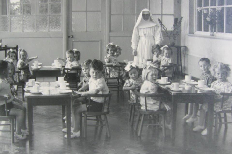 Katolisen lastenkodin jäljiltä löytyi joukkohauta