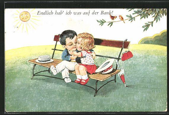 old postcard: AK Kinder küssen sich auf einer Parkbank