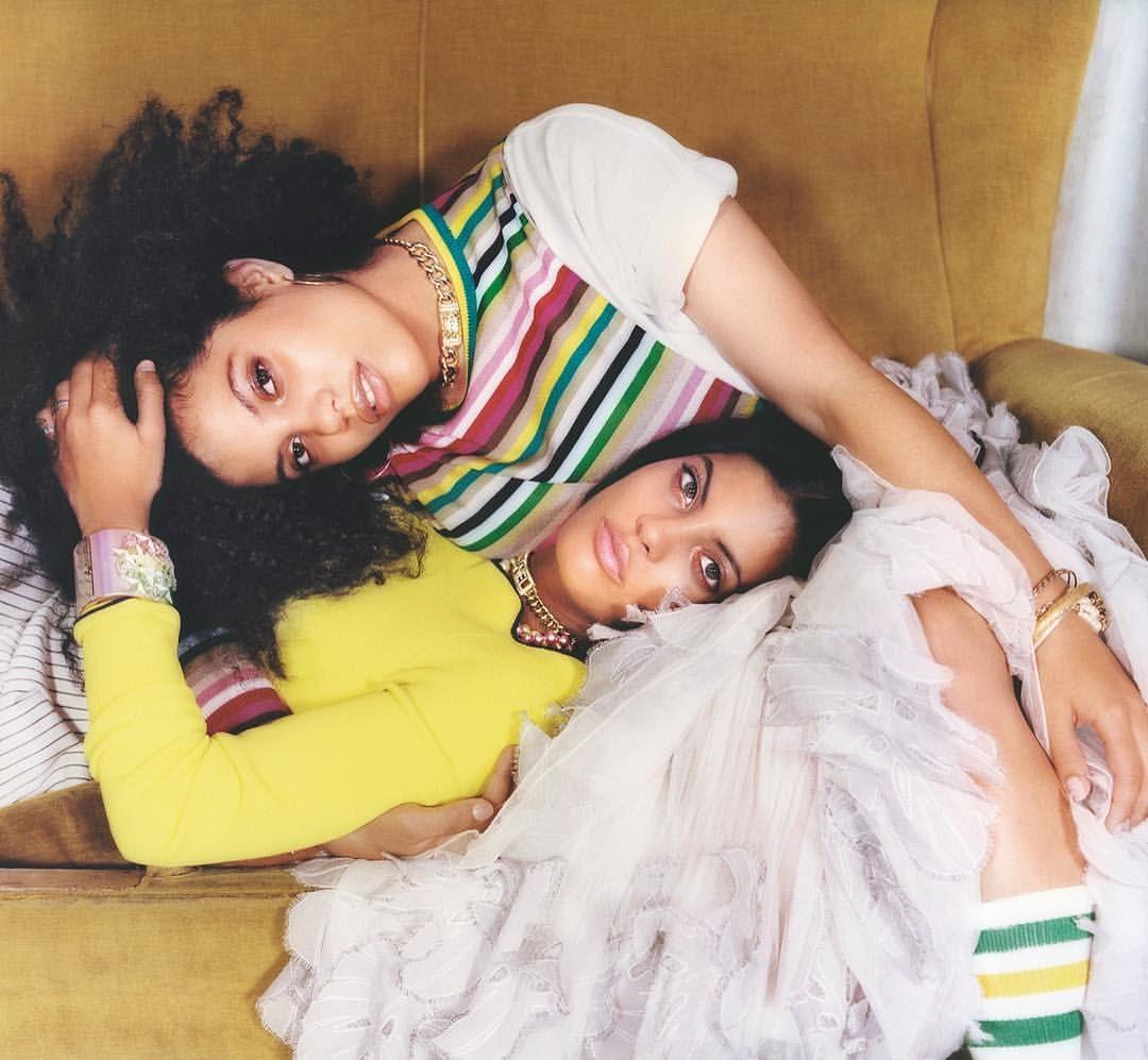 Model Naomi Duo 2 Bing Images: Meet Twin-sisters Lisa-Kainde And Naomi Diaz From Parisien
