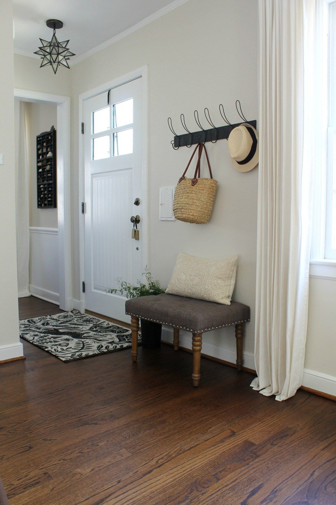 29 Best Entryway Ideas For Small Spaces Small Space Living Home Decor Living Room Designs Living room entryway ideas