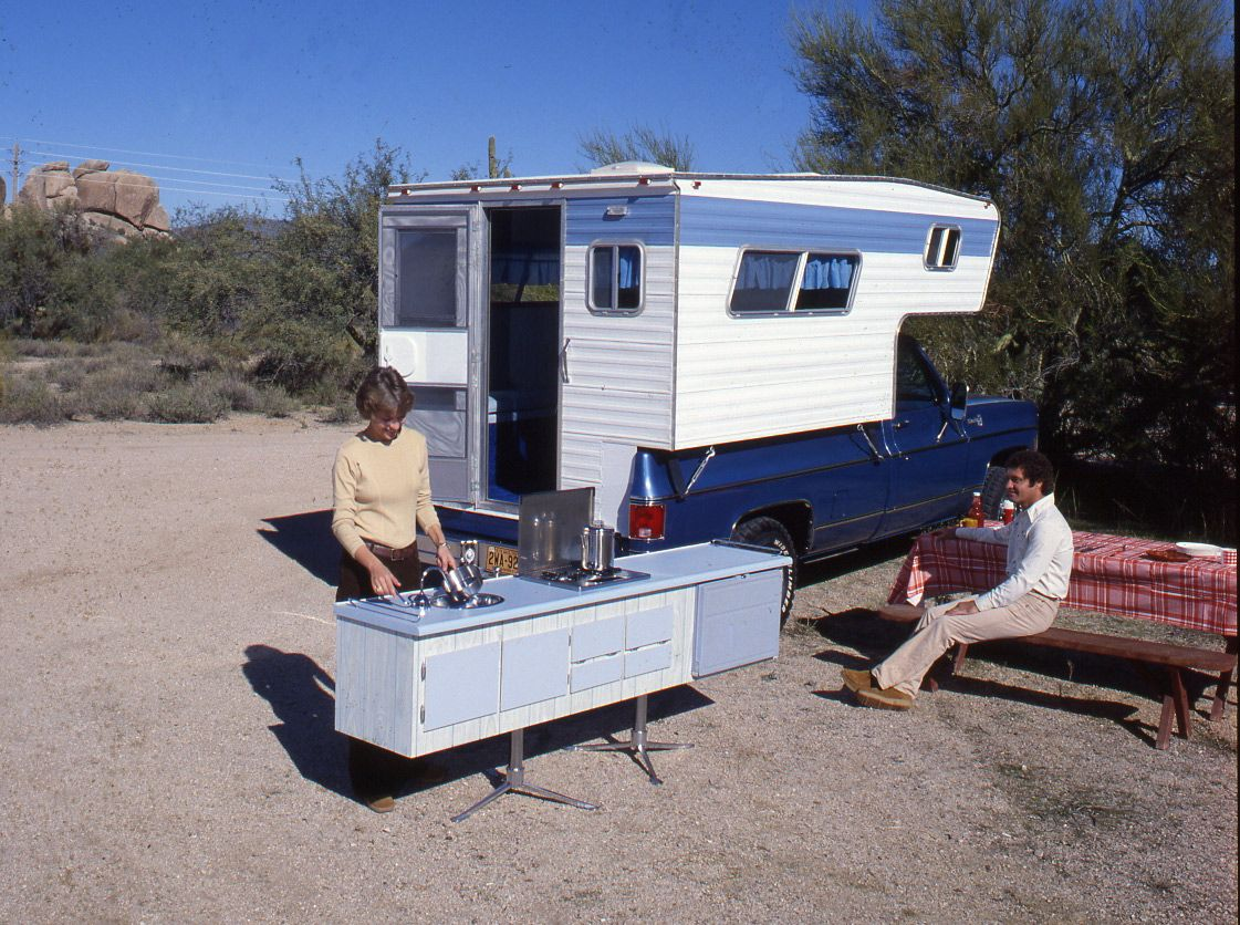 Look! Truck Slide-in Camper with DETACHABLE KITCHEN MODULE !