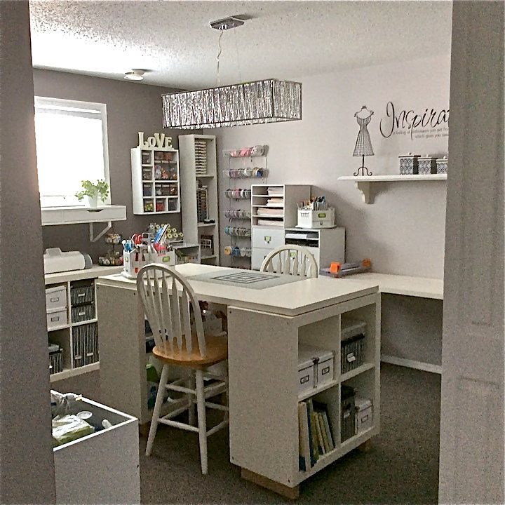 my new craft room march 3 15 sewing room pinterest amenagement atelier atelier et. Black Bedroom Furniture Sets. Home Design Ideas