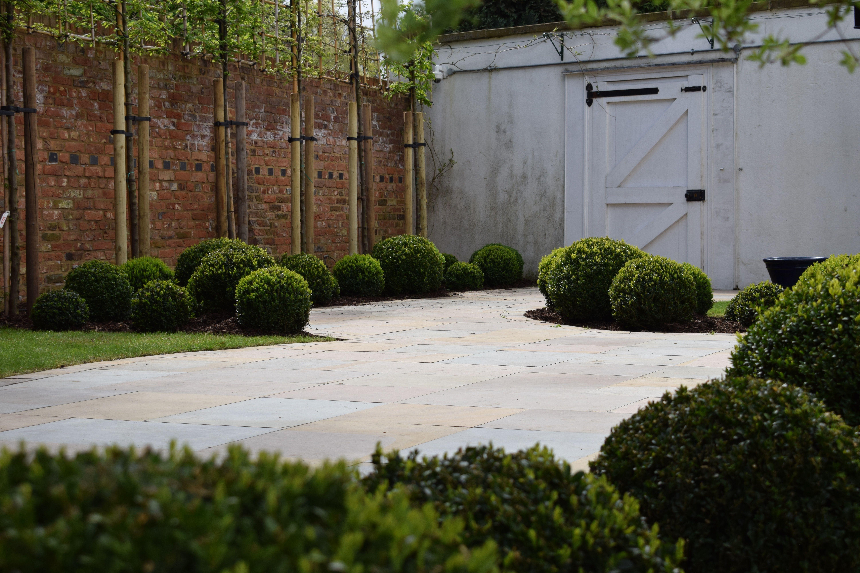Creating Landscapes With Buxus Balls In 2020 Garden In The Woods Garden Design Moon Garden