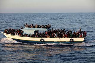 Taís Paranhos: Refugiados: 360 mortos só este ano