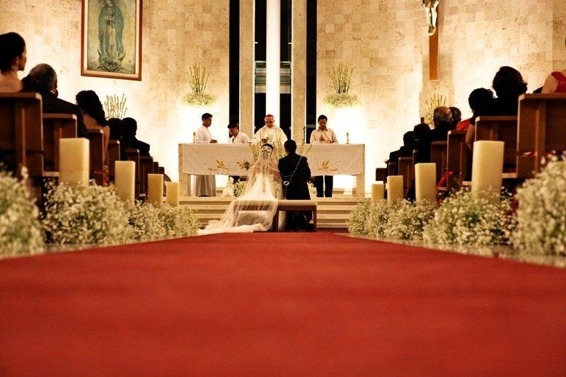 si en la iglesia en donde te casas autorizan colocar pantallas de cera la mejor
