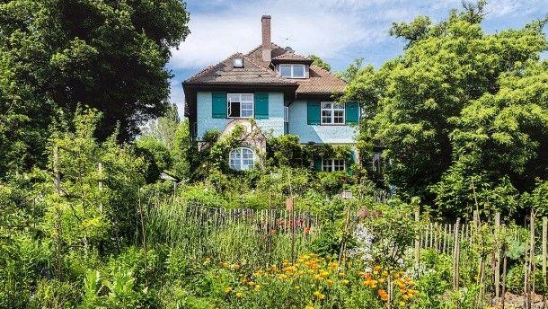 Gaienhofen. Der Garten, In Dem Hermann Hesse Einst Seine Ersten