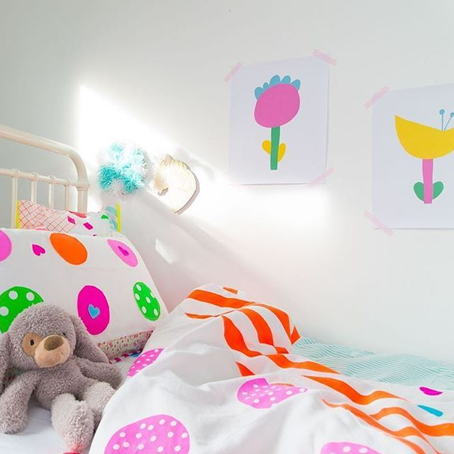 Bright And Bold Guest Bedroom: A Bright And Bold Kids Room Featuring Our Dreamy Flower