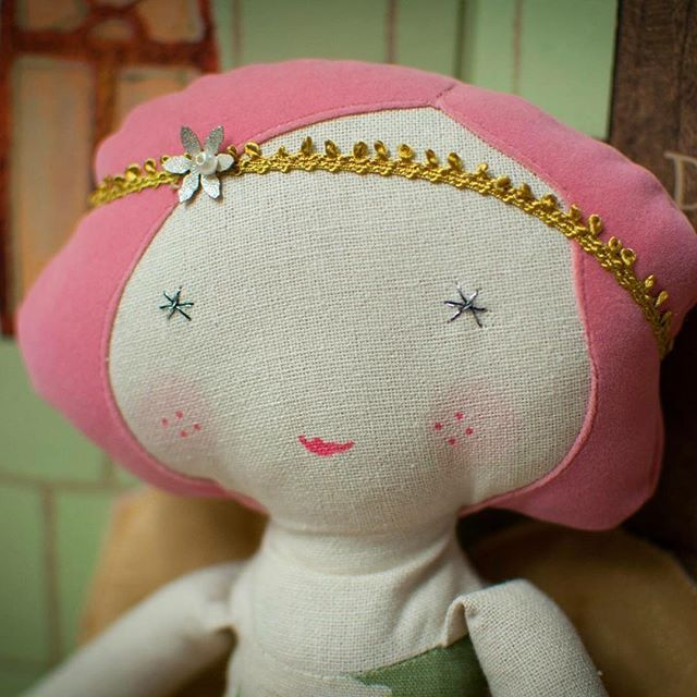 www.mini-mi.co.uk - Beautiful angel dolls by Maileg, available in two colours - perfectly pretty  xxx #maileg #mailegworld #angeldolls #dancerdolls #flapper #minimigb #shopindependent #shoplocal #shopindependentthischristmas
