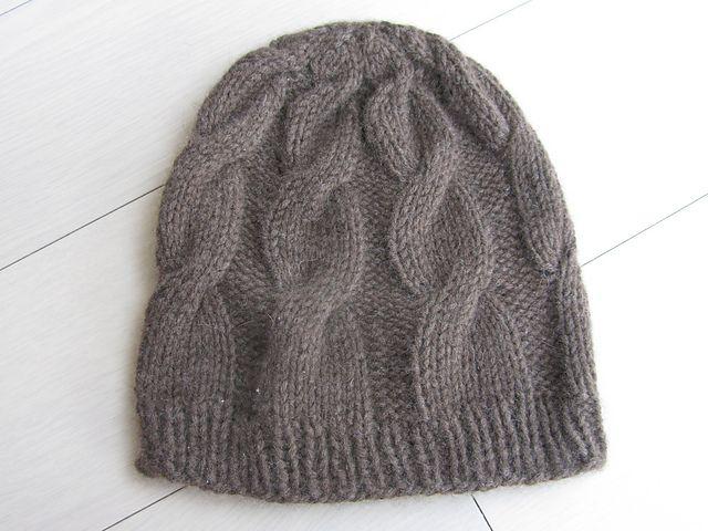 b4c0e7e0c Cable Yak free beanie pattern. Aran yarn | Knitting | Gorras, Gorro ...