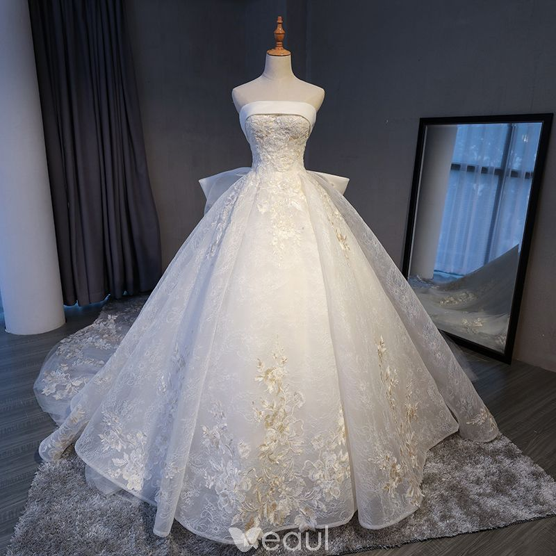 Luxury Gorgeous White Cathedral Train Wedding 2018 Crossed Straps Lace Up Tulle Backless Beading Embroidered Ball Gown Wedding Dresses Ball Gowns Wedding Ball Gown Wedding Dress Wedding Dresses