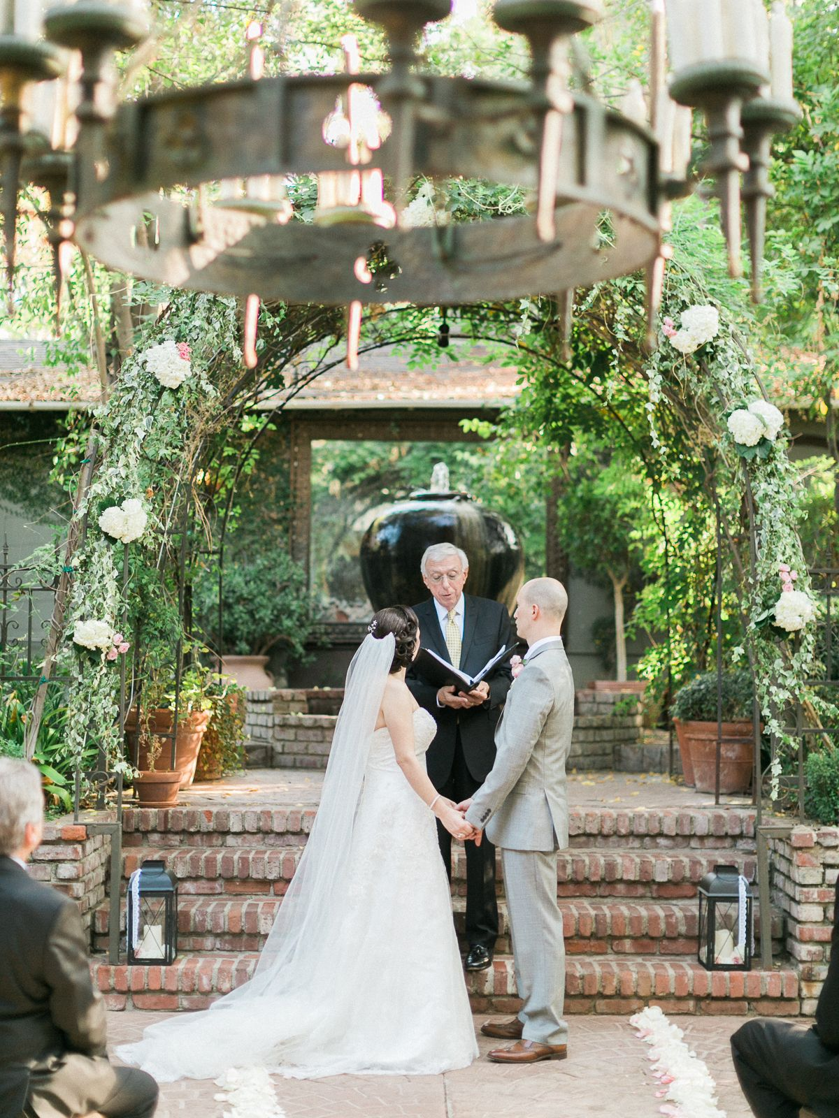 An Intimate Beautiful Wedding At The Villa In Woodland Hills Los Angeles Photography By Jeremy Chou