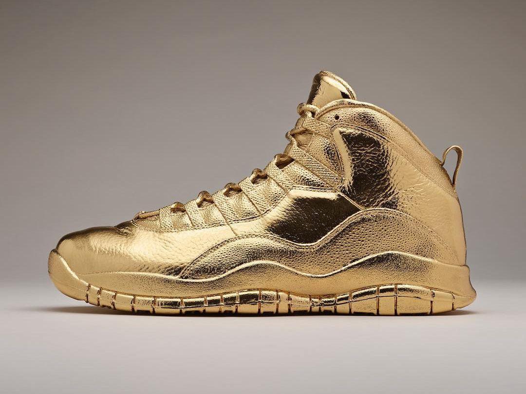 Nike Air Max Zero Metallic Gold Size 11. 789695 700 1 90 95