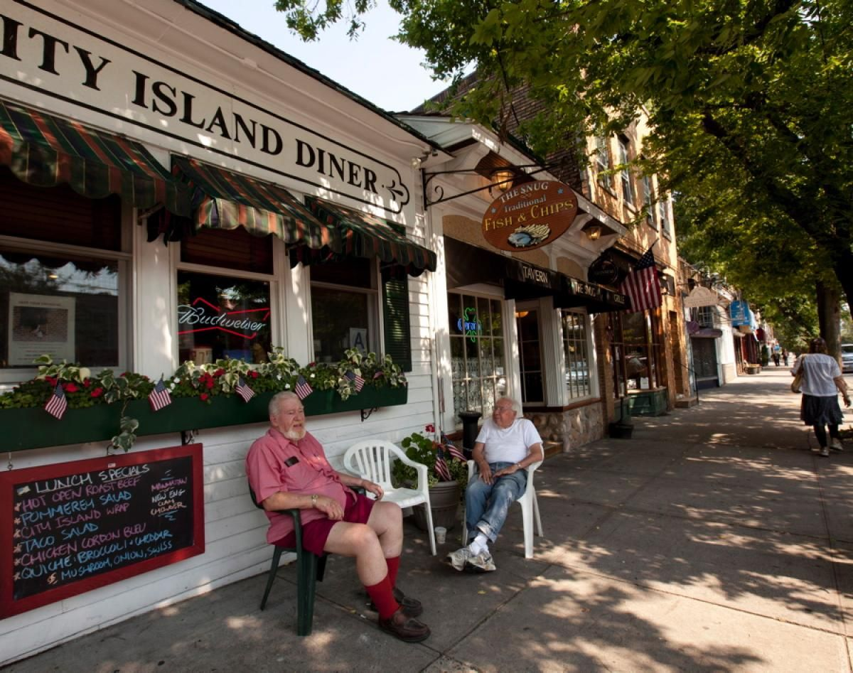 City Island Ave An Insider S Guide To City Island The Bronx City Island The Bronx New York Nyc