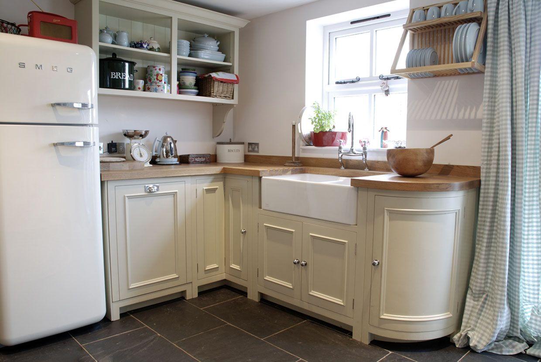 Chichester Kitchen Country English Country Kitchen Tiny Cottage Kitchen Kitchen Gallery