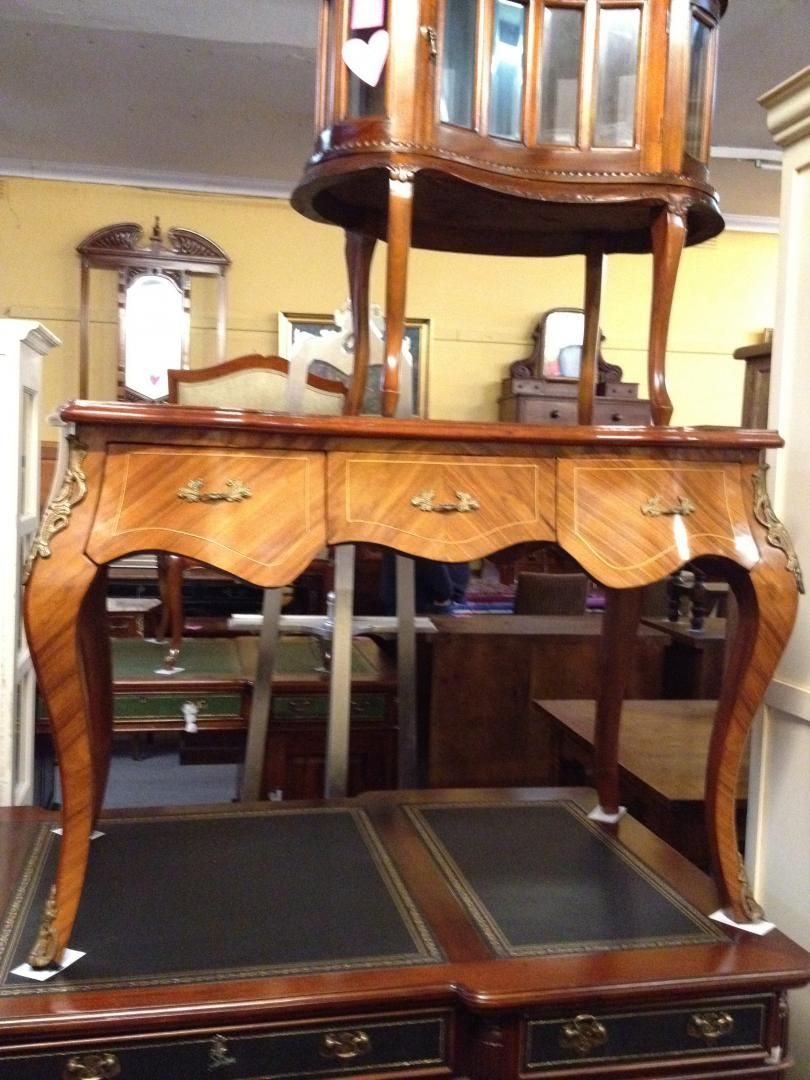 Jack's antique is an eminent name in the business of buying and selling  antiques in Melbourne. Jack's Antique shops offers antique furniture  throughtout ... - Jack's Antique Is An Eminent Name In The Business Of Buying And