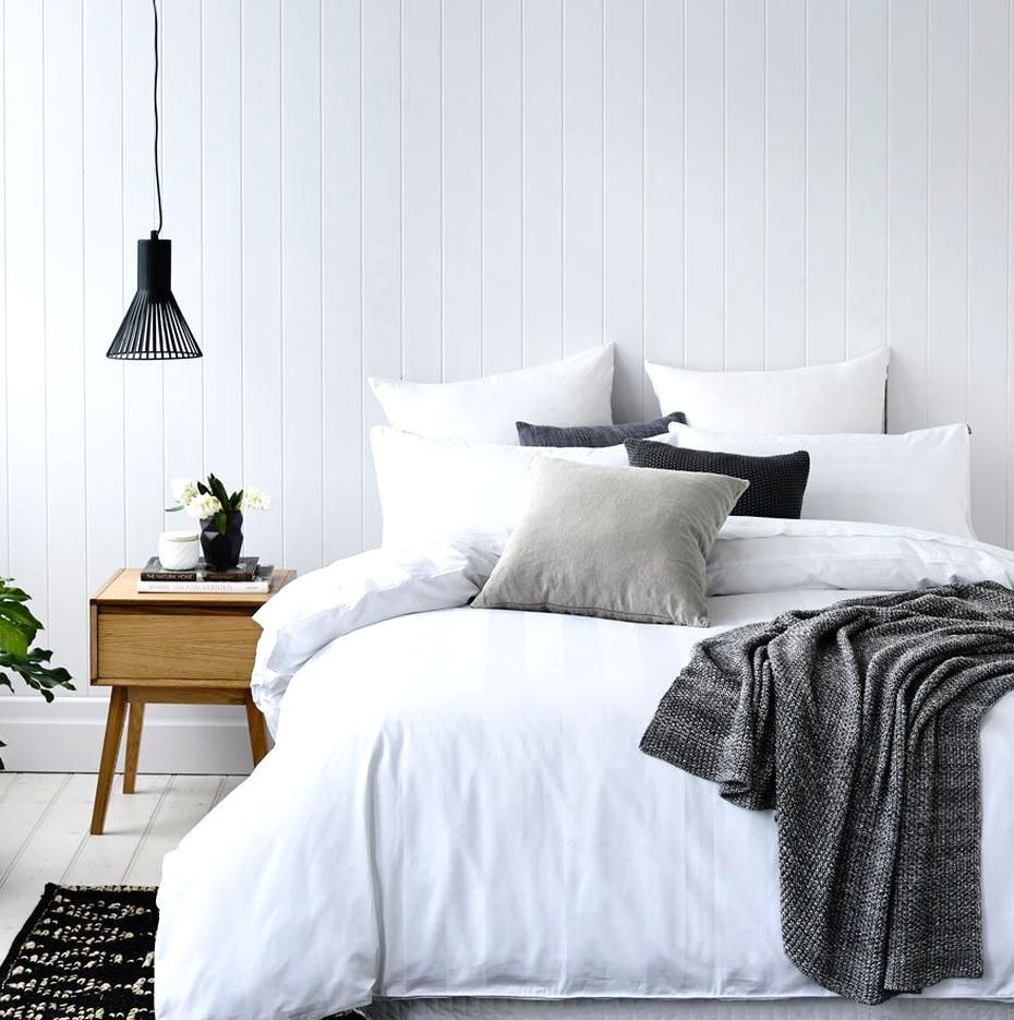 Luxurious 1000 thread count cotton bed linen for a touch of premium hotel quality at home A classic