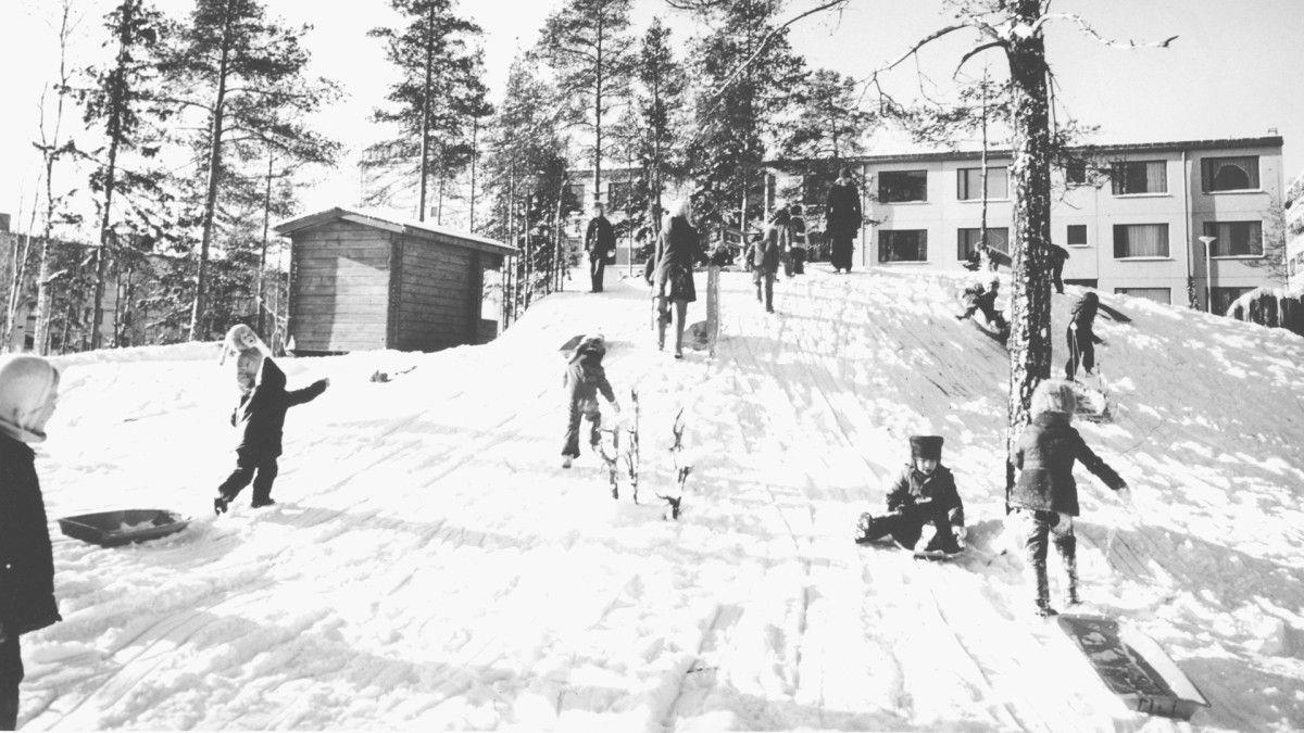 Lähiöelämää Vantaan kaupunginmuseon kuva-arkistossa | Suburban life; the Vantaa City Museum Archive #lähiö #Vantaa #suburb