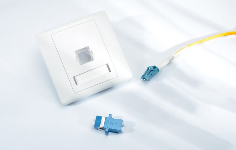Single Port Duplex Lc Fiber Optic Wall Plate Outlet Fiber Optic Plates On Wall Fiber Optic Connectors