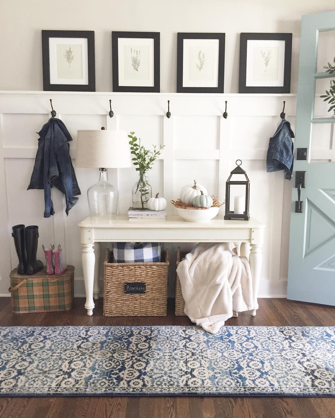 How Your Favorite Farmhouse Design Bloggers Are Decorating For Fall ...