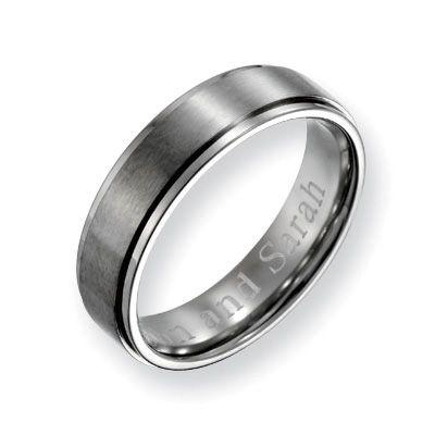 Zales Mens 7.0mm Engraved Titanium Ridged Edge Wedding Band (18 Characters) uoVSQ7