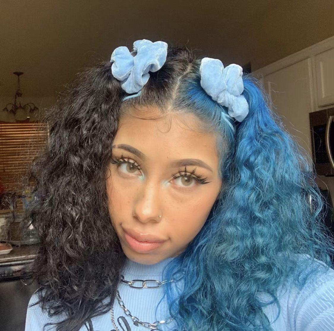Split Hair Dye Half Black Half Blue In 2020 Split Dyed Hair Aesthetic Hair Dyed Hair