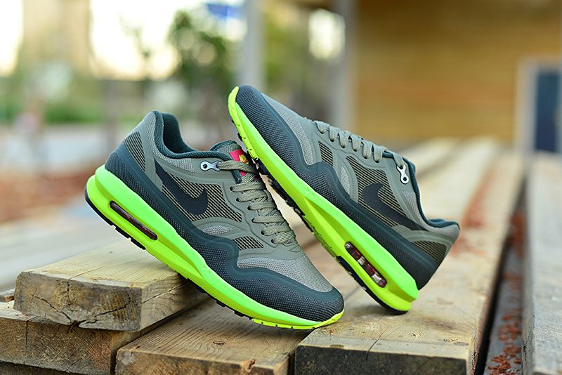 These air max 87 are adorable. Check out these shoes