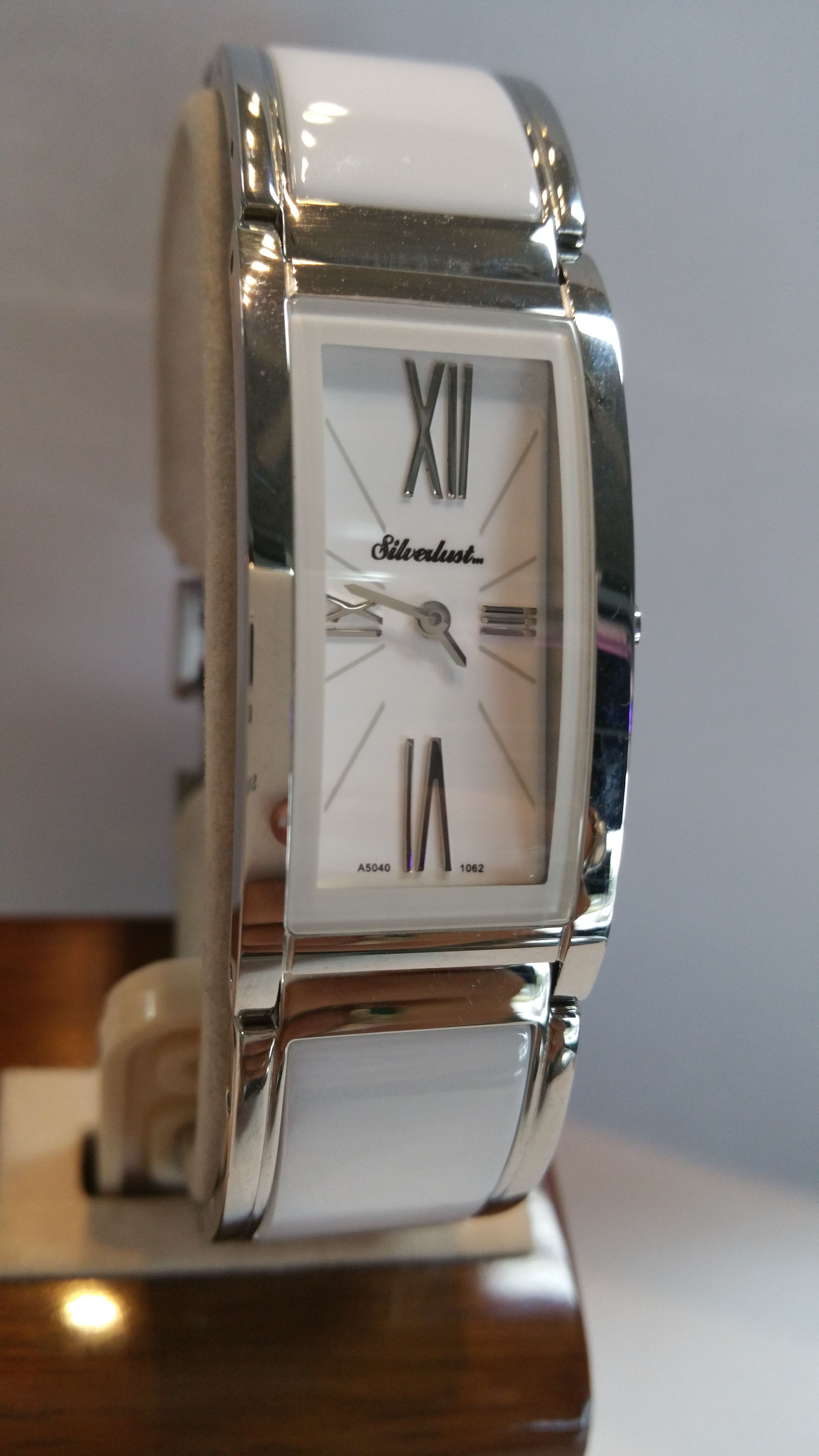Water Resistant To 3atm White Ceramic And Steel White