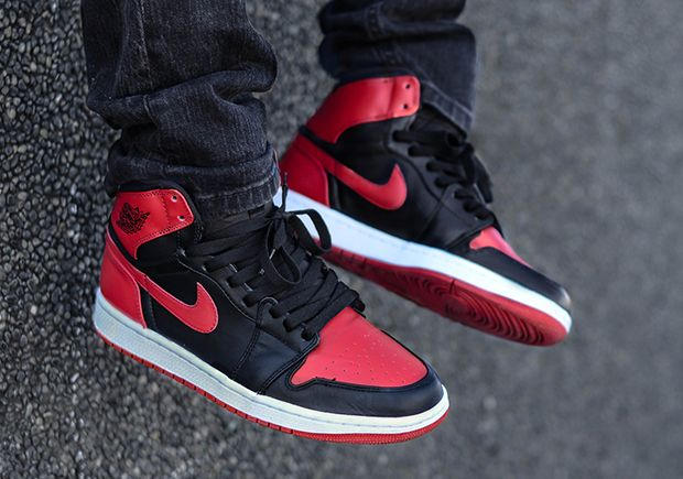 Jordan Brand is getting ready to release a ton of silhoouettes next yea,r  and one of the will be the Air Jordan 1 Retro High OG 'Bred' that will  patent le