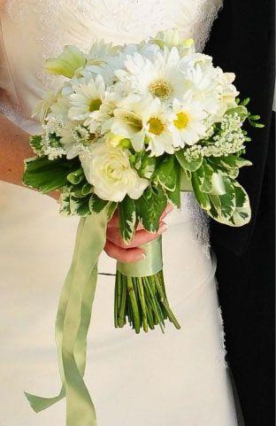 daisy wedding daisies bouquet bride bouquets wedding flowers wedding