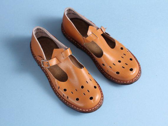 c45b1de8a3b21 size 2 Soviet children sandals 70s vintage boys by somesoviet | kids ...