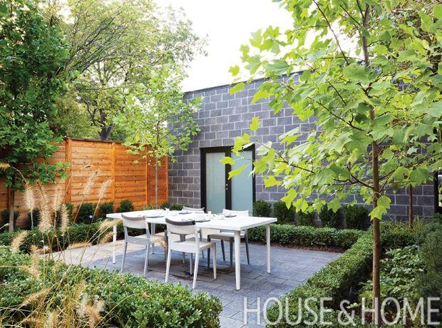 Pro Tips Landscape Designer Joel Loblaw S Best Backyard Advice Modern Landscape Design Landscape Design Contemporary Landscape Design