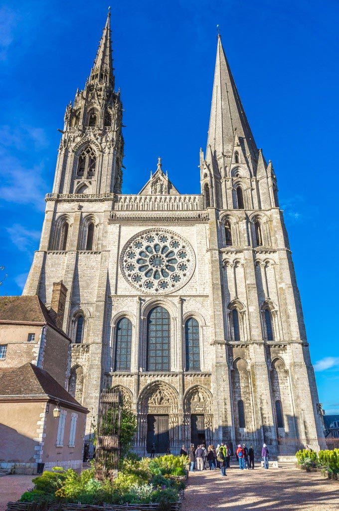 Chartres Cathedral France Map Facts Location Hours Admissions Chartres Cathedral Cathedral Architecture