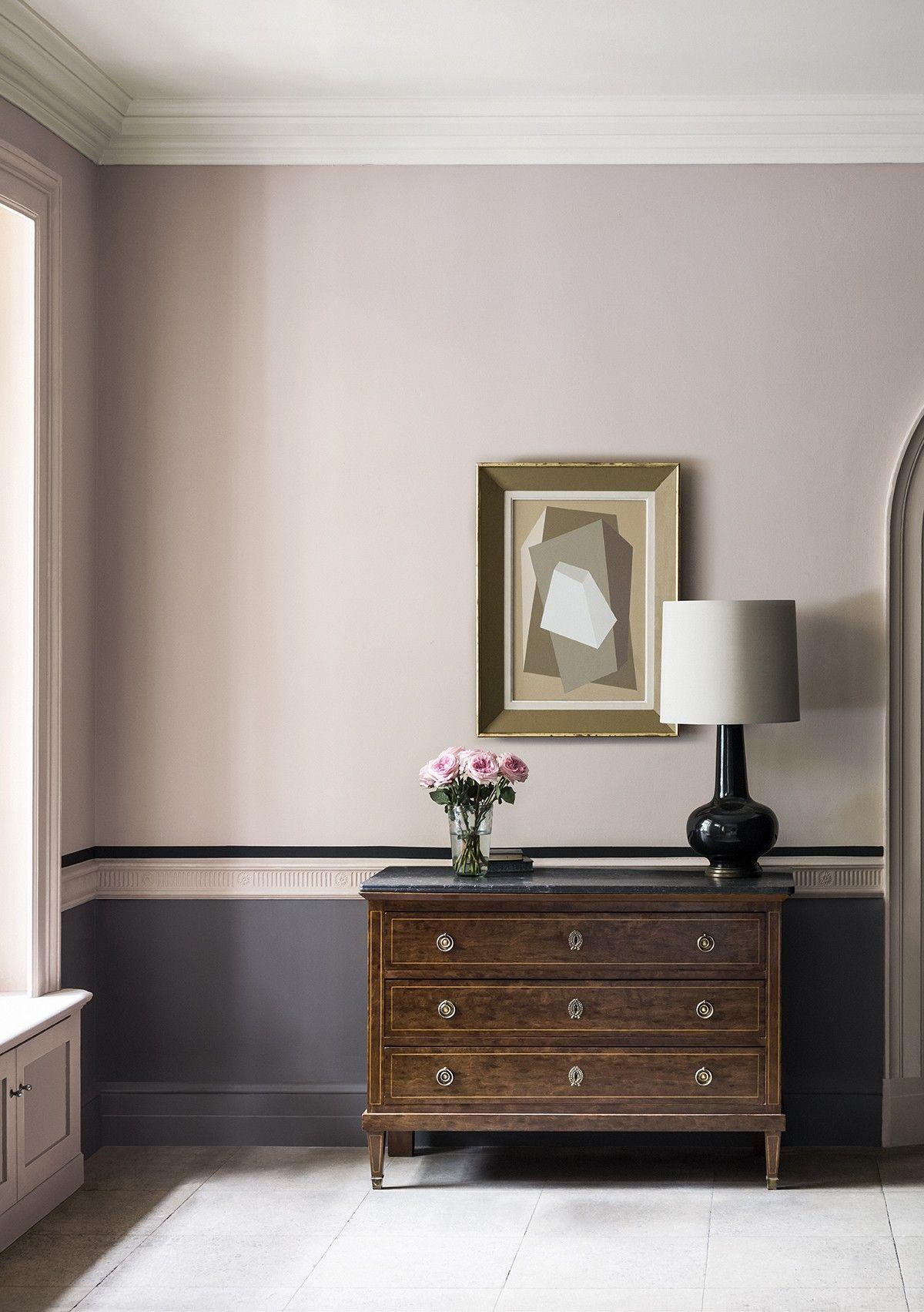Temple Hallway. Pink and dark grey.
