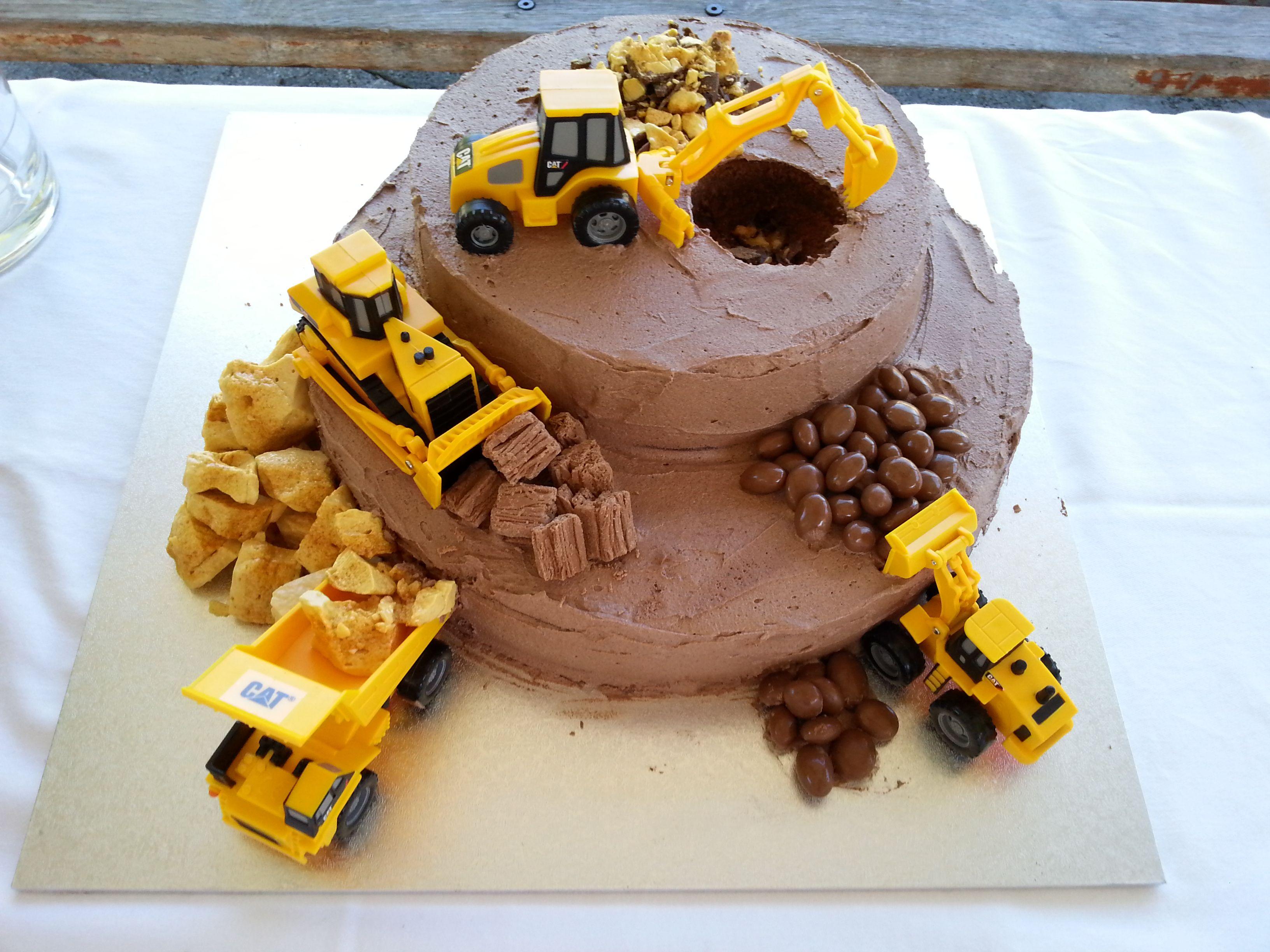 Sensational Construction Site Cake With Images Construction Cake Birthday Funny Birthday Cards Online Necthendildamsfinfo
