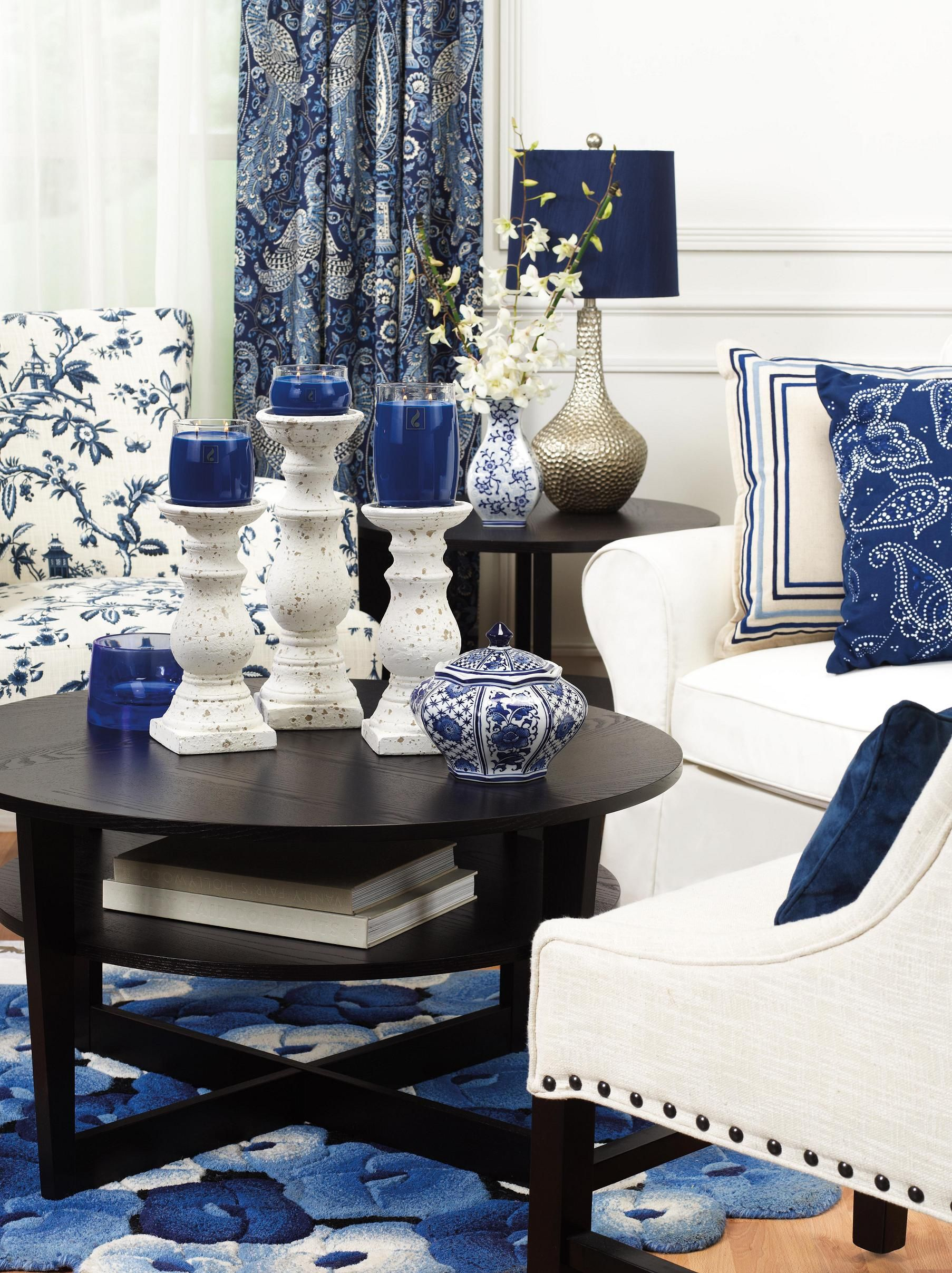 Ohhh The Awesome Royal Blue And White Blue Decor Blue Office Decor Living Room White #royal #blue #decorations #for #living #room