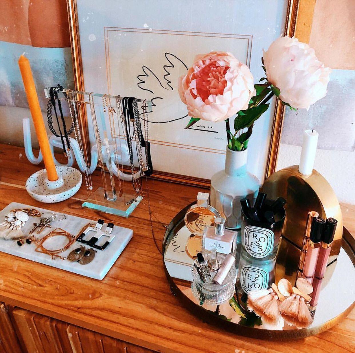Pin by Renee Clemmer on Vanity Vanity, Instagram, Rose