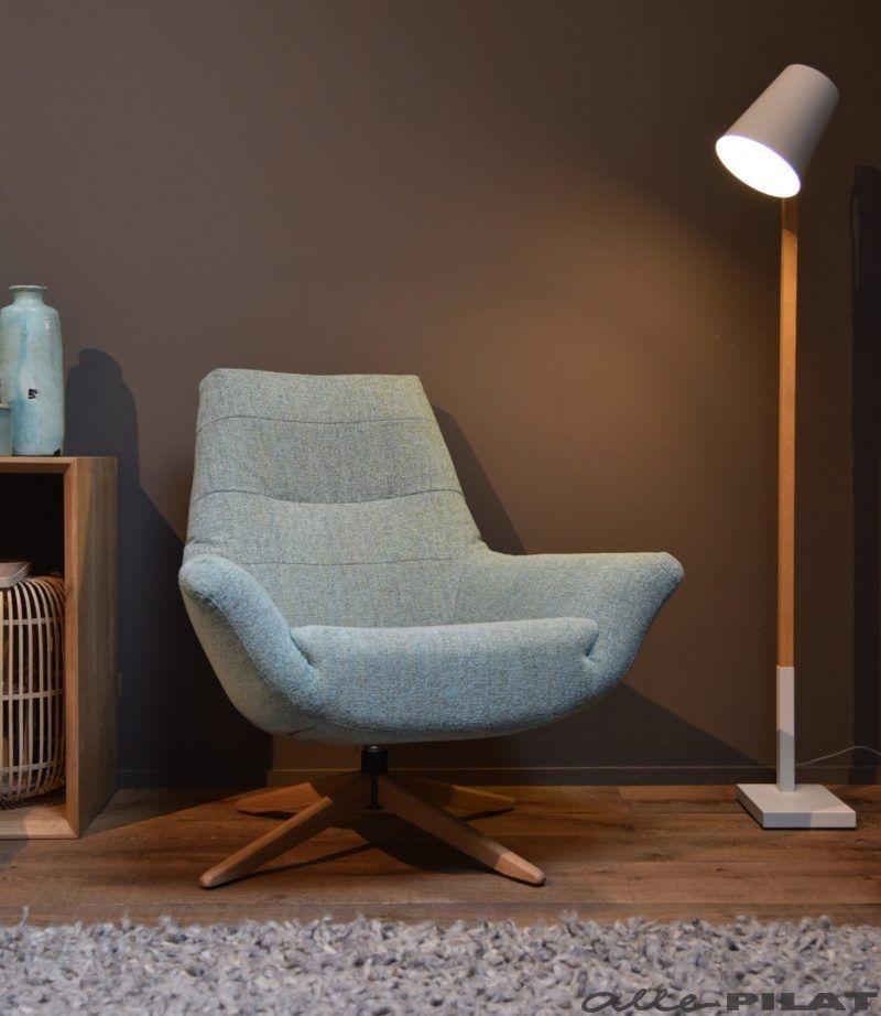 Moderne Draai Fauteuil.Draaifauteuil Tigo Met Eikenhouten Voet Woonwinkel In 2019